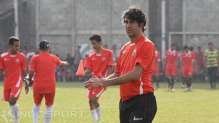 Pelatih anyar Persija Jakarta, Stefano Cugurra Teco. Copyright: © Herry Ibrahim/INDOSPORT