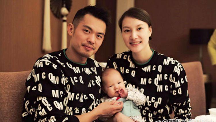 Legenda bulutangkis China, Lin Dan disebut beruntung karena meskipun selingkuh, istrinya Xie Xingfang masih tetap memaafkannya. Copyright: © badmintonplanet