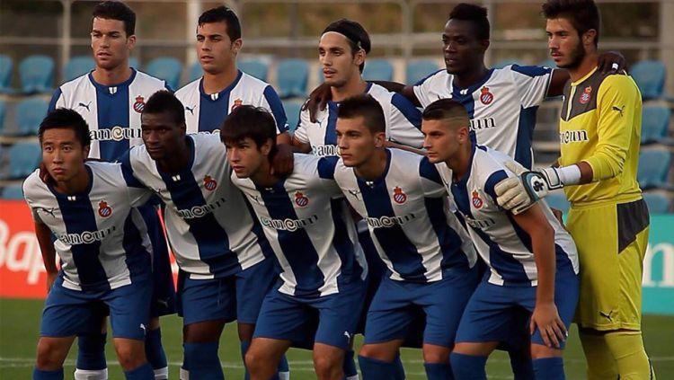Terdegradasinya Espanyol dari LaLiga Spanyol membuat sejumlah pemain sedih, tak terkecuali winger PSS Sleman, Arthur Irawan. Copyright: © @irawan_arthur
