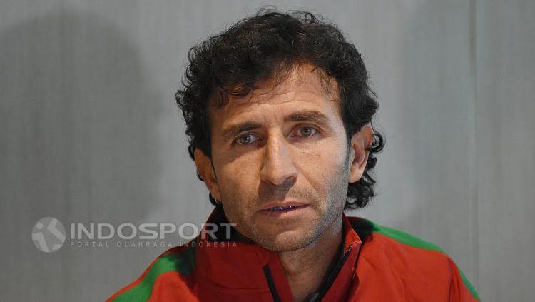 Pelatih Timnas Senior dan U-22, Luis Milla. Copyright: Herry Ibrahim/INDOSPORT