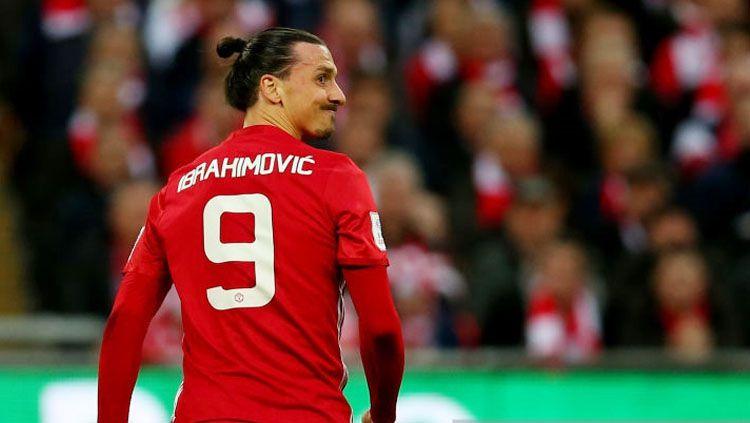 Zlatan Ibrahhimovic pada laga saat melawan Southampton. Copyright: Catherine Ivill - AMA/Getty Images