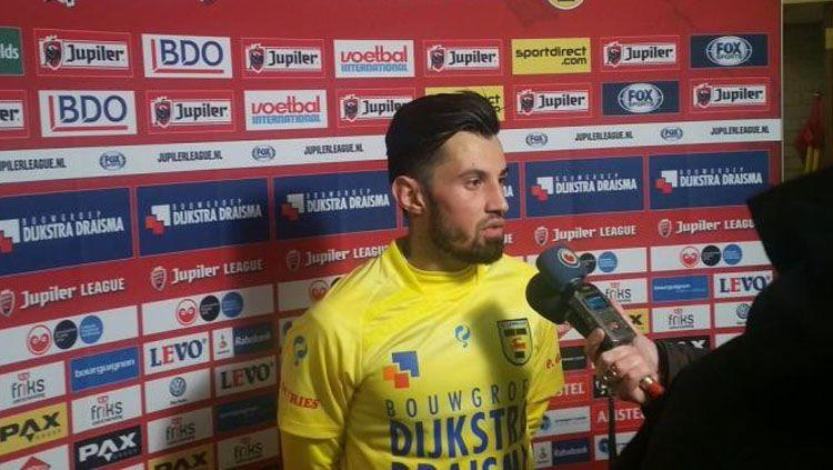 Stefano Lilipaly dalam sebuah konferensi pers. Copyright: INTERNET