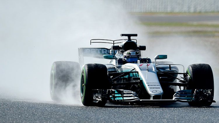 Valtteri Bottas saat tes di Sirkuit Catalunya. Copyright: JOSE JORDAN/AFP/Getty Images