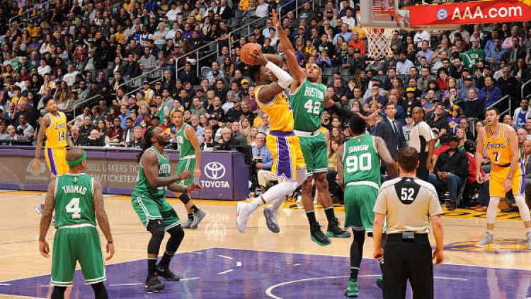 Boston Celtics vs Los Angeles Lakers. Copyright: © Andrew D. Bernstein/NBAE via Getty Images