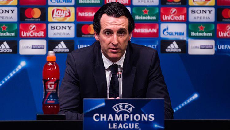 Unai Emery memberikan pernyataan usai PSG kalah dari Barcelona. Copyright: © Alex Caparros - UEFA/UEFA via Getty Images