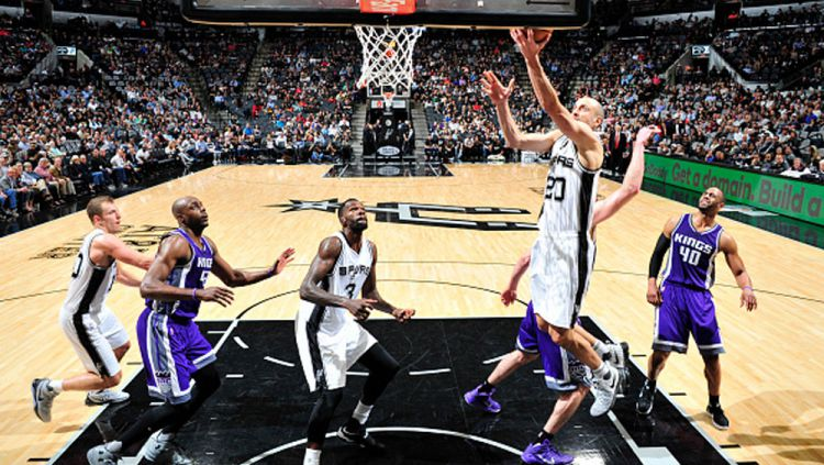 Sacramento Kings vs San Antonio Spurs. Copyright: Ronald Cortes/Mark Sobhani/NBAE via Getty Images