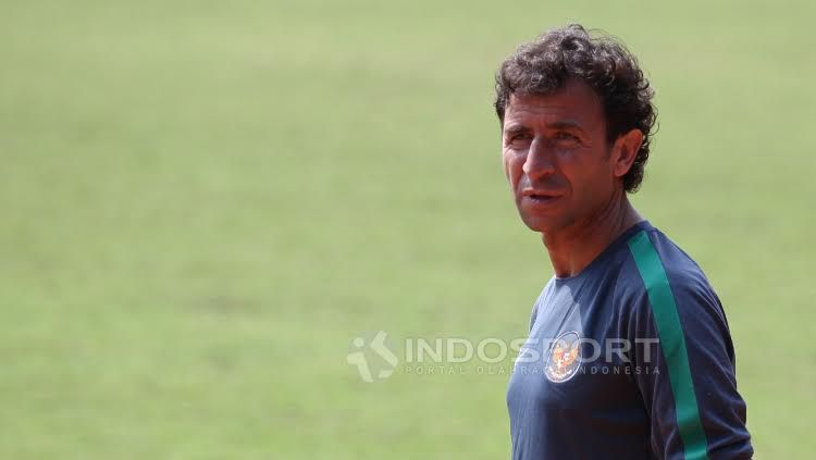 Pelatih Timnas Indonesia U-22, Luis Milla. Copyright: Herry Ibrahim/Indosport