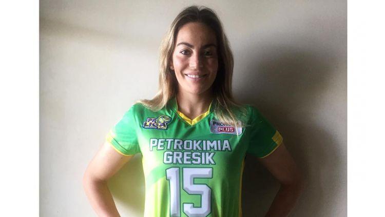 Veronica Angeloni, mantan kekasih Christian Vieri, menjadi pemain tim Gresik Petrokimia. Copyright: © Instagram @veroangeloni