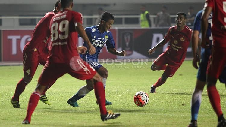 Skuat Semen Padang saat menghadapi Persib Bandung di ajang Piala Presiden 2017. Copyright: Herry Ibrahim/INDOSPORT
