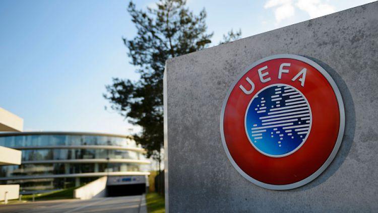Sembilan klub pendiri Liga Super Eropa termasuk AC Milan dan Inter Milan dipastikan gigit jari setelah UEFA setuju untuk menjatuhkan sanksi kepada mereka. Copyright: © Christof Koepsel/Getty Images
