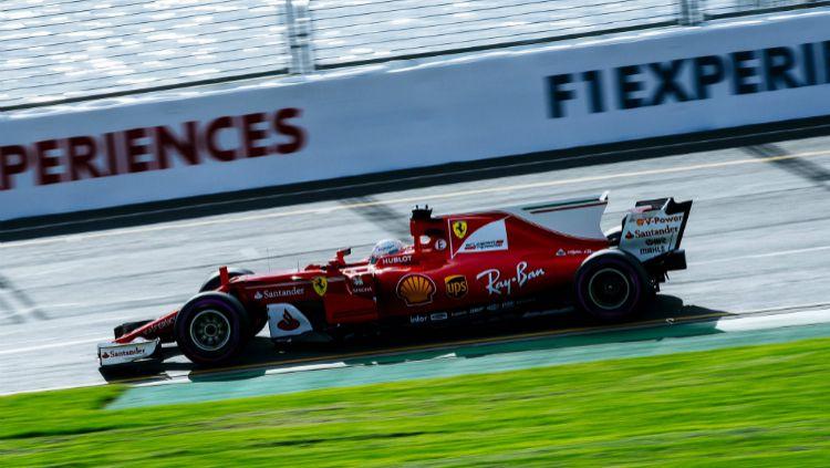 Sebastian Vettel tercepat dalam sesi latihan bebas ketiga di Sirkuit Melbourne, Australia. Copyright: © Twitter/@ScuderiaFerrari