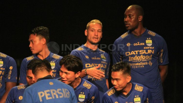Raphael Maitimo dan Carlton Cole saat launching tim Persib Bandung beberapa tahun yang lalu. Copyright: © Muhammad Ginanjar/INDOSPORT