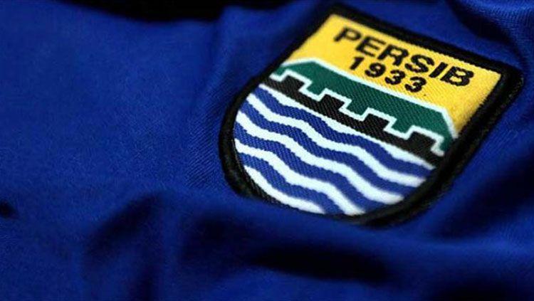 Ilustrasi jersey Persib Bandung. Copyright: © gilabola.com