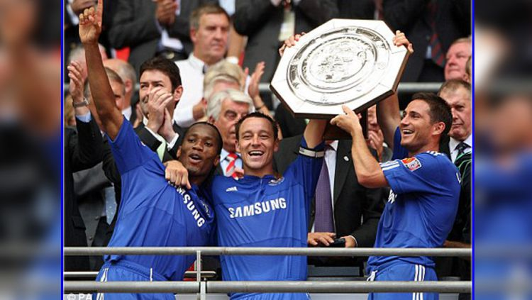 Tiga legenda Chelsea, Didier Drogba, John Terry, dan Frank Lampard. Copyright: © DailyMail