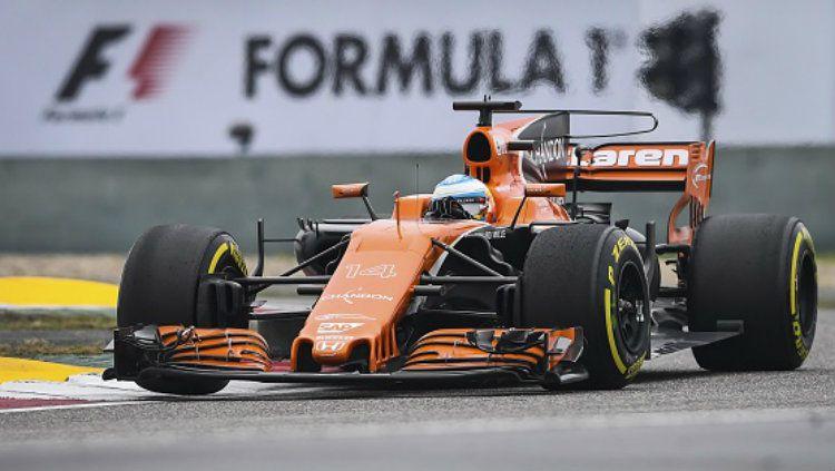 Kabar baik datang dari dunia Formula 1 (F1) yakni sebanyak tujuh staf tim McLaren resmi menunjukan hasil tes negatif virus corona, Rabu (18/03/20). Copyright: © Stringer/Anadolu Agency/Getty Images