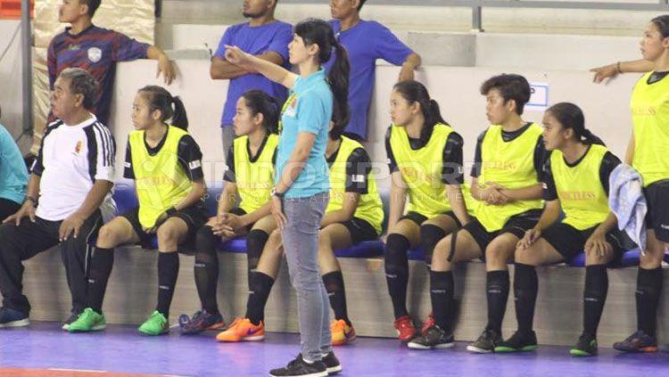 Sicilia Setiawan pelatih futsal Football Plus. Copyright: © Gema Trisna Yudha/INDOSPORT