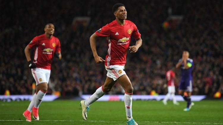 Rashford menjadi pahlawan kemenangan Manchester United atas Anderlecht berkat gol penentu di babak tambahan. Copyright: © @SquawkaNews