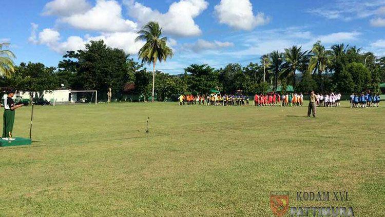 Kodam XVI/Pattimura menyelenggarakan turnamen sepakbola dalam rangka HUT ke-18. Copyright: © Kodam XVI/Pattimura