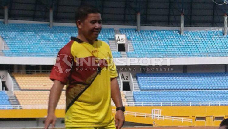 Jelang bergulirnya Liga 1 2020, susunan tim kepelatihan Persita Tangerang mengalami perubahan dengan ditunjuknya Francis Wewengkang jadi asisten pelatih. Copyright: © Muhammad Effendi/INDOSPORT