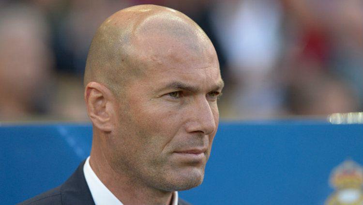 Zinedine Zidane angkat bicara soal kemungkinan Real Madrid cuci gudang dan masa depan Isco. Patricio Realpe/LatinContent/Getty Images. Copyright: © Patricio Realpe/LatinContent/Getty Images