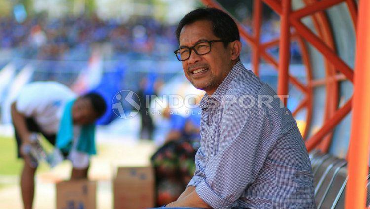 Pelatih Arema FC, Aji Santoso. Copyright: © Ian Setiawan/INDOSPORT