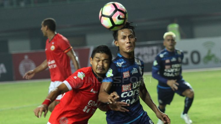 Arema FC menjamu Persija di pekan ke-26 Liga 1. Copyright: © INDOSPORT/Herry Ibrahim