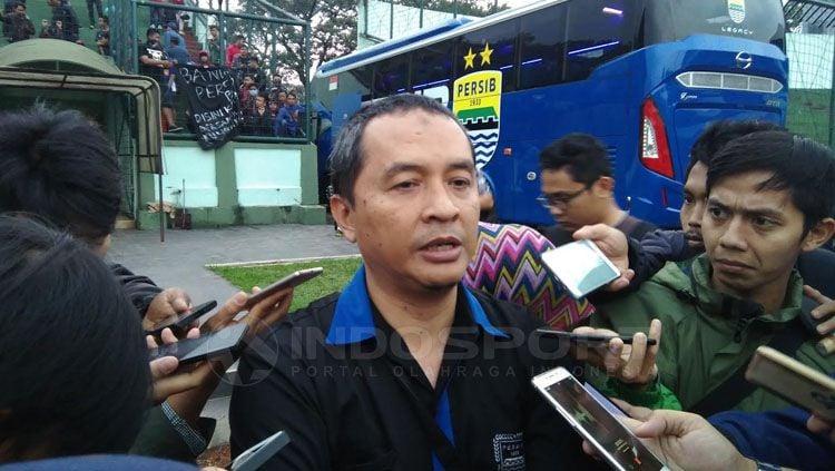 Media officer tim Persib Bandung, Irfan Suryadiredja. Copyright: © Muhammad Ginanjar/INDOSPORT
