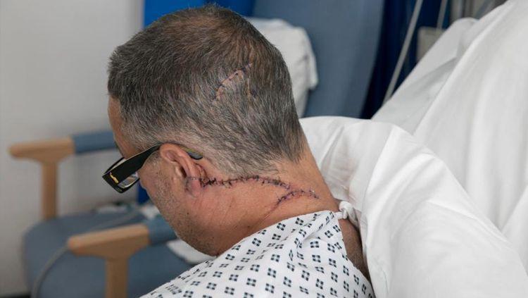 Jack Mason, petarung Inggris yang mendapat jahitan di pelipisnya. Copyright: © Internet