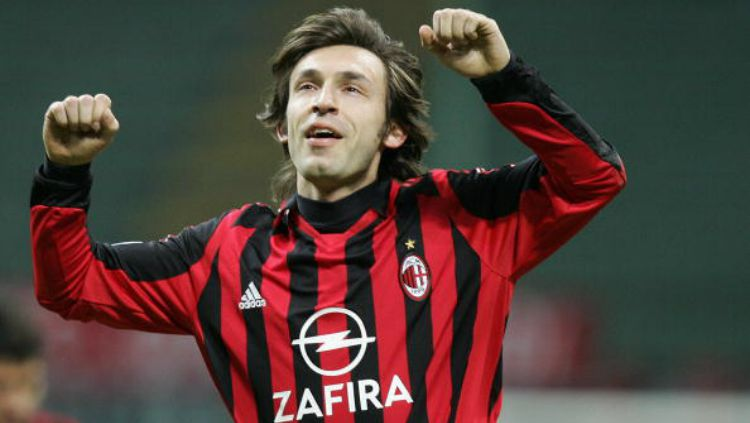 Mantan pemain AC Milan, Andrea Pirlo. Copyright: © PACO SERINELLI/Stringer