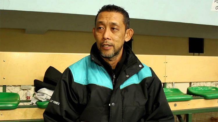 Pelatih tunggal putra junior Malaysia, Misbun Sidek membantah kalau ada erlakuan khusus kepada salah satu pemain di Asosiasi Bulutangkis Malaysia (BAM). Copyright: © alchetron.com