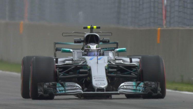 Pembalap Mercedes, Lewis Hamilton. Copyright: © Twitter/@F1