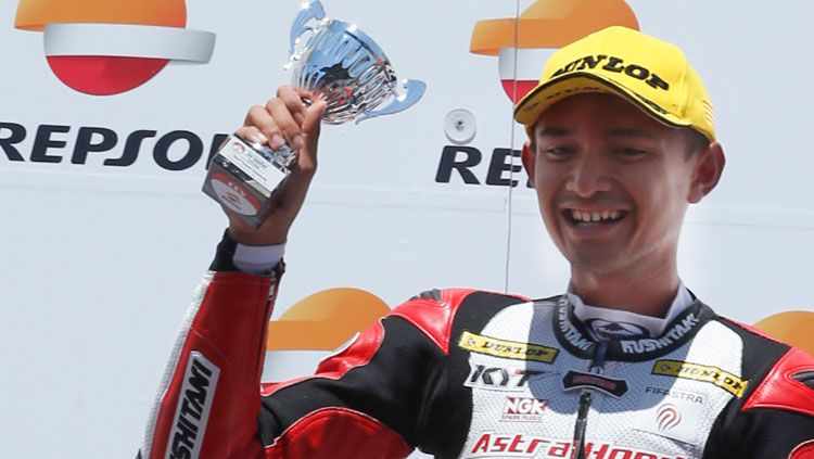 Dimas Ekky berhasil naik podium di CEV Moto2. Copyright: Facebook/Astra Honda Racing Team