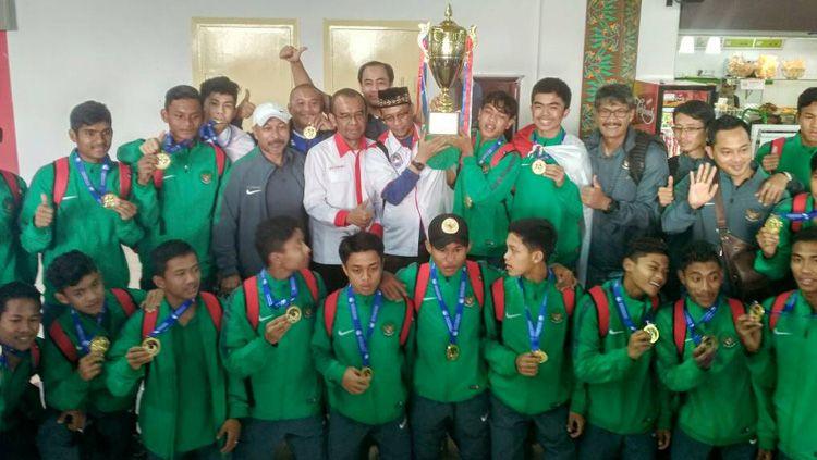 Timnas Indonesia U-16 disambut Sesmenpora Gatot S Dewa Broto. Copyright: © Info Kemenpora