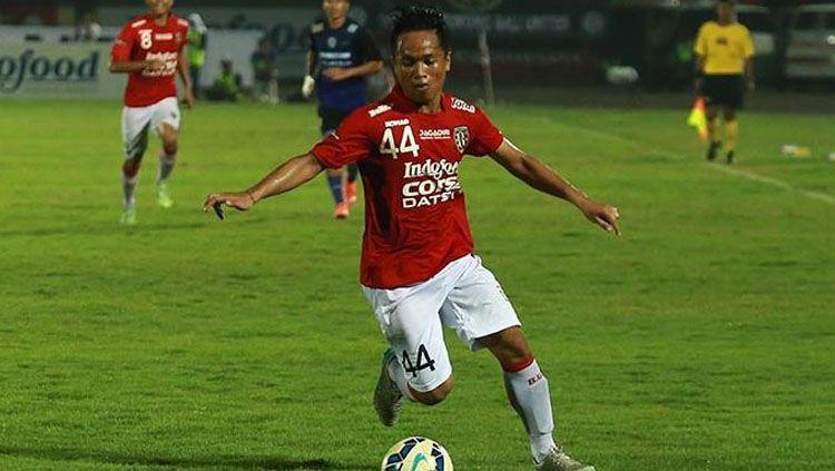 Gelandang Bali United, Gede Sukadana. Copyright: © Sumberbola