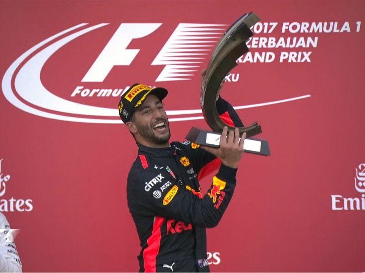Ricciardo Juarai Balapan Penuh Kejutan di Azerbaijan