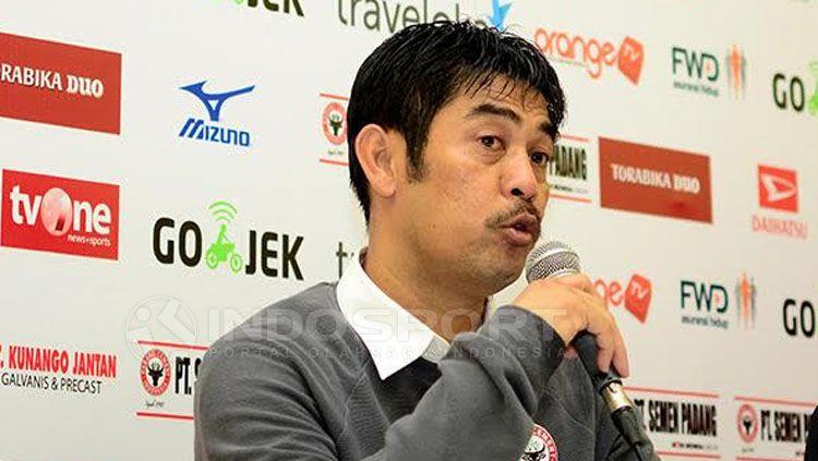 Nilmaizar, pelatih Semen Padang. Copyright: © Taufik Hidayat/INDOSPORT