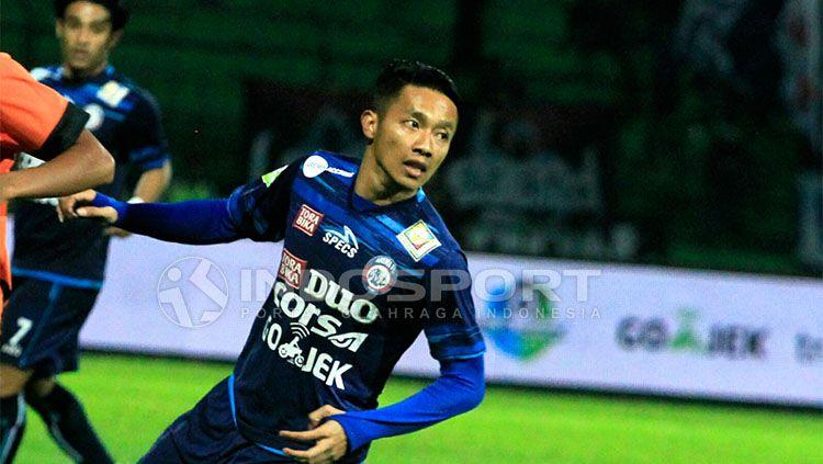 Dendi Santoso, salah satu bintang Arema FC yang mendapatkan tantangan dari Kratingdaeng. Copyright: © Indosport/Ian Setiawan
