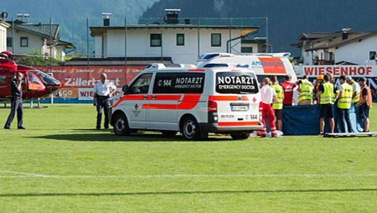 Pemain muslim Ajax Amsterdam, Abdelhak Nouri sempat mengalami koma nyaris tiga tahun. Pada akhirnya dia sadar dan mulai bisa menonton sepak bola lagi. Copyright: © INDOSPORT