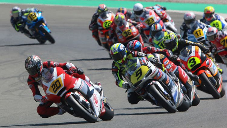 Situasi balapan di Sirkuit Ricardo Tormo, Valencia. Copyright: © prensasport.com