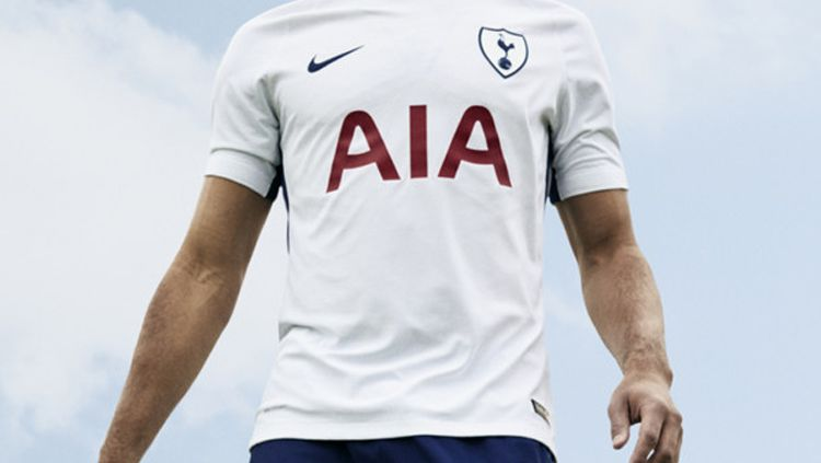 Jersey anyar Tottenham Hotspur. Copyright: © Official Website