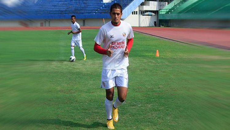 Kapten Semen Padang, Hengki Ardiles. Copyright: © ligaolahraga.com