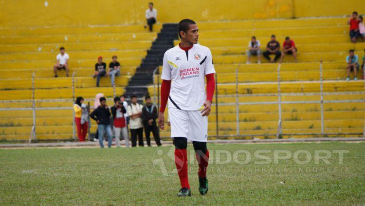 Kapten Semen Padang, Hengki Ardiles. Copyright: © Taufik Hidayat/Indosport.com