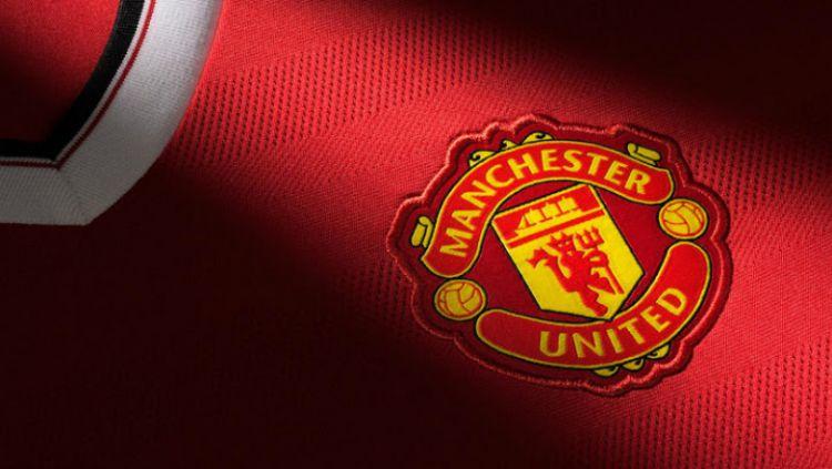 Fans klub Liga Inggris, Manchester United, tengah dihebohkan dengan bocornya jersey terbaru tim kebanggaannya untuk musim 2020/21 di media sosial. Copyright: © HBR