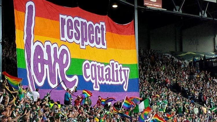 Jerman beri dukungan ke LGBT di laga Euro 2020 terakhir, Hungaria sebut bisa jadi sumber malapetaka. Copyright: © INDOSPORT