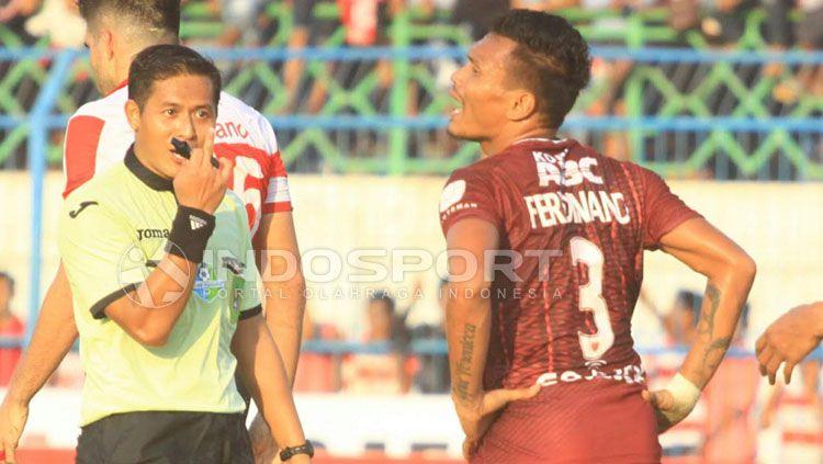 Ferdinand Sinaga (kanan). Copyright: © Ian Setiawan/INDOSPORT