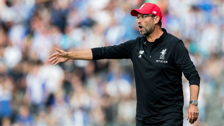 Pelatih utama Liverpool, Jurgen Klopp, mencari solusi atas cederanya Fabinho dan Joel Matip. Copyright: © Boris Streubel/Getty Images