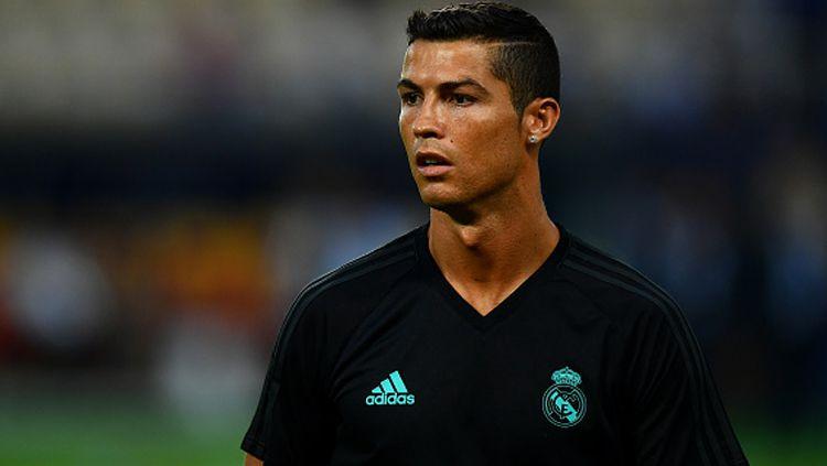 Pemain megabintang Real Madrid, Cristiano Ronaldo, tidak akan bermain sejak menit pertama saat melawan Man United. Copyright: © INDOSPORT
