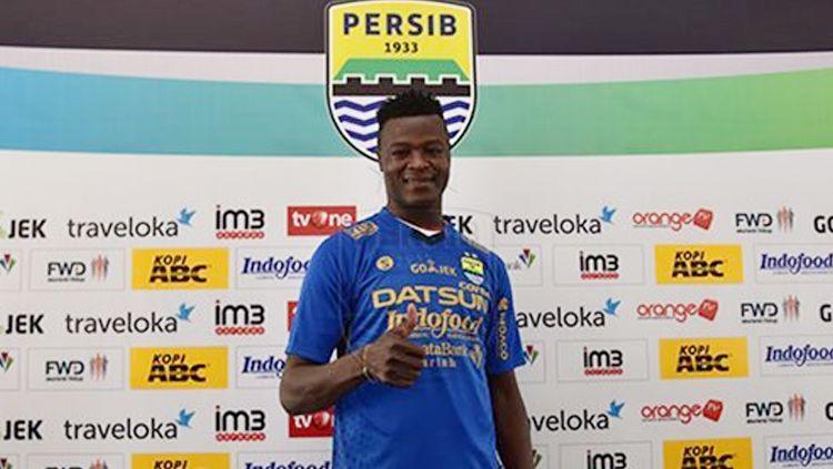 Striker Persib Bandung, Ezechiel NDouassel. Copyright: © persib.co.id
