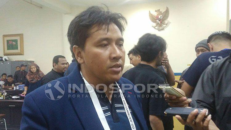 Media Officer Arema FC, Sudarmaji. Copyright: © Ian Setiawan/INDOSPORT