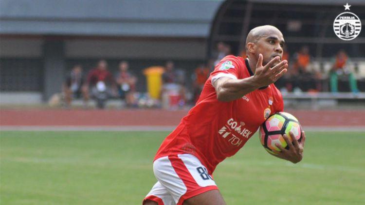 Direktur Madura United, Haruna Soemitro kini tengah mengupayakan administrasi Bruno Da Silva Lopes segera tuntas, untuk segera menjalani debut di Liga 1 2020. Copyright: © Twitter@Persija_Jkt